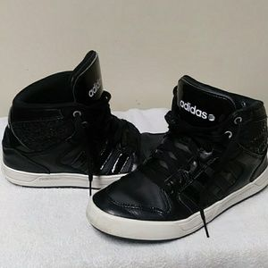Adidas neo label mid tops size 8 in womens black